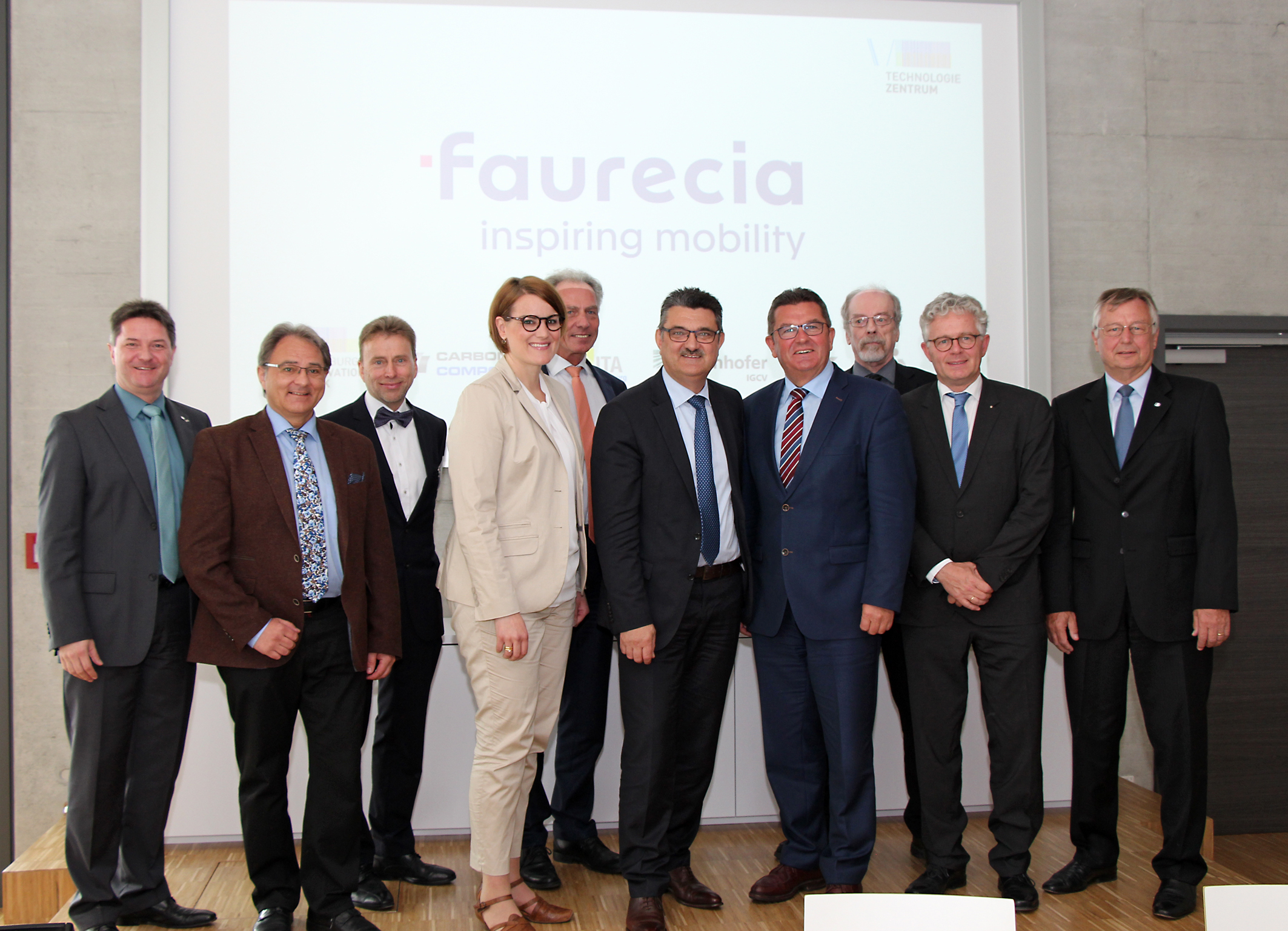 FAURECIA cooperates with ITA Augsburg
